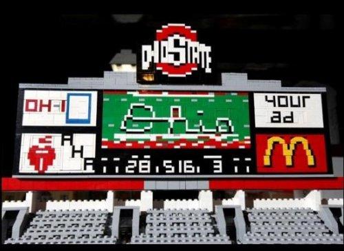Модель стадиона из кубиков Lego