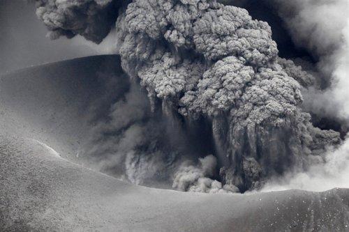 Извержение вулкана Симмоэ