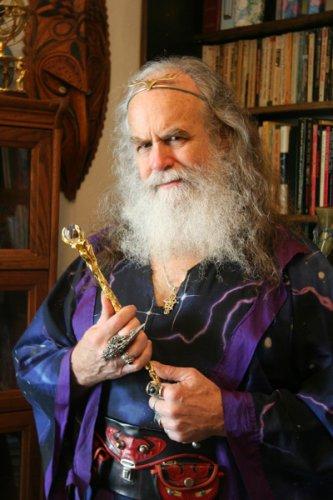Американский Дамблдор открывает свою школу магии