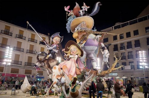 "Испанский фестиваль огня ""Лас Фальяс"""