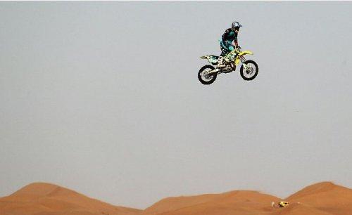 Пилотажное шоу в ОАЭ