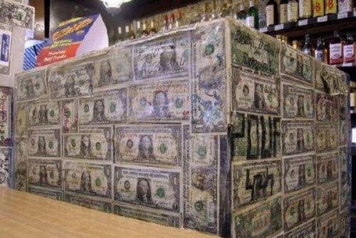 """Необычная кофейня """"1 доллар"""""""