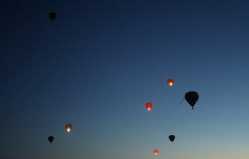 Полет воздушных шаров над Вайкато