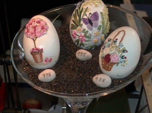 Пасхальные яйца с вышивкой