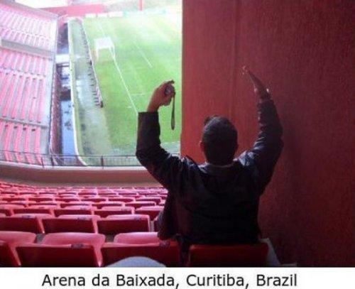 Самые плохие места на стадионах
