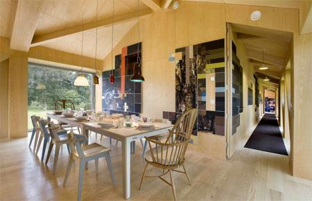 Дом, балансирующий в воздухе