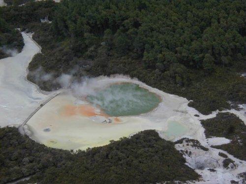 Бассейн с шампанским в Новой Зеландии
