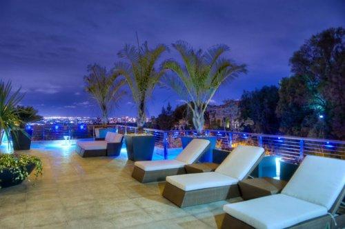 Трехэтажный холостяцкий особняк в Лос-Анджелесе