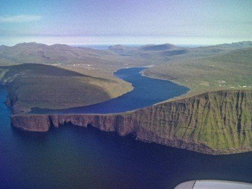 Фарерское озеро Сорвагсватн
