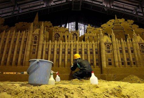 Как создаются скульптуры из песка