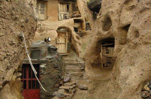 Кандован - деревня отшельников