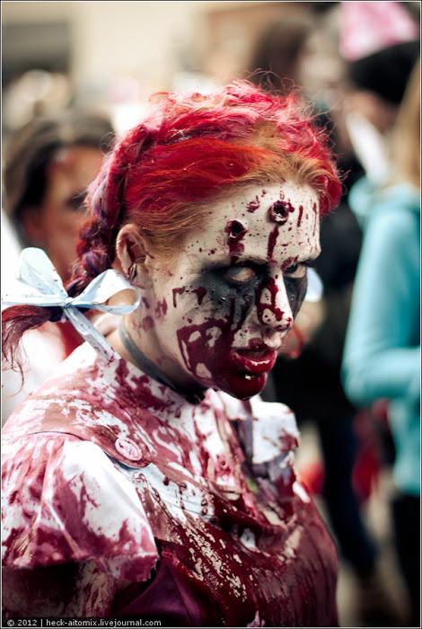 По улицам Торонто вновь прошлись зомби