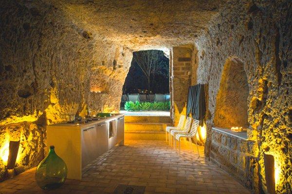 Резиденция Domus Civita, высеченная в пещерах