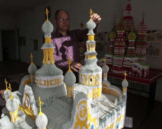 Учитель из России создаёт невероятные модульные макеты знаменитых соборов из оригами