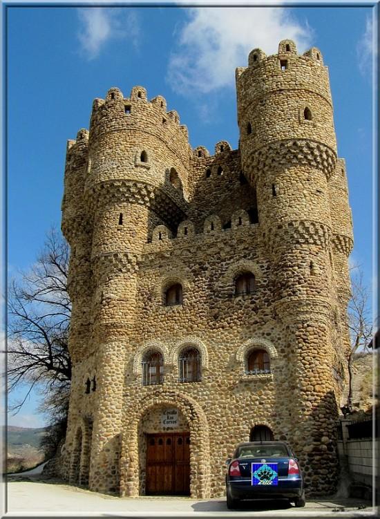 Серафин Вилларан – человек, построивший свой собственный замок