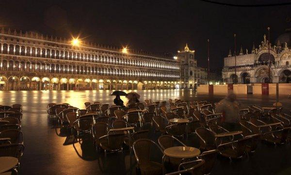 Венеция оказалась под