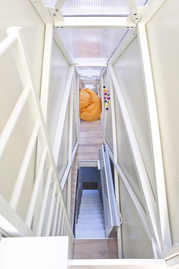 Самый узкий в мире дом построен в Польше