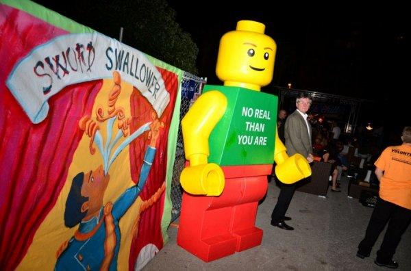 Удивительные меловые рисунки 3D на фестивале в Сарасоте