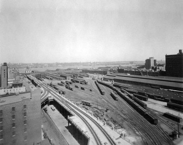 Хай-Лайн - заброшенная ветка надземной железной дороги превратилась в парк над землёй в Нью-Йорке