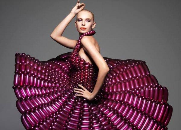 Изумительные платья из воздушных шаров