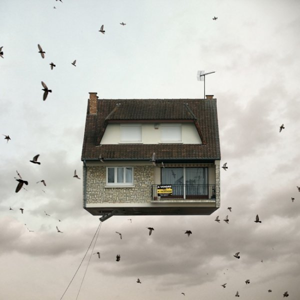 Летающие дома фотографа Лорана Шейи