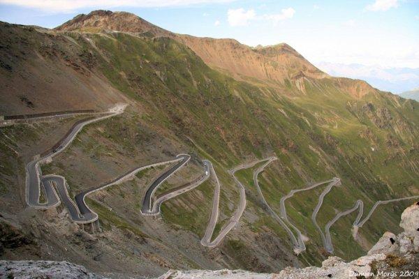Завораживающая красота живописных дорог