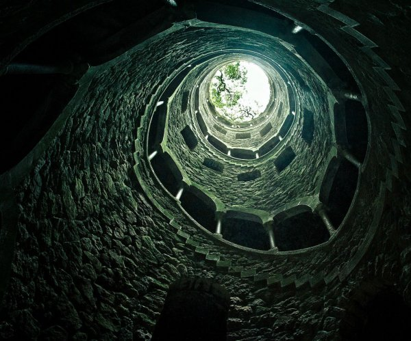 Колодец Посвящения в поместье Кинта-да-Регалейра