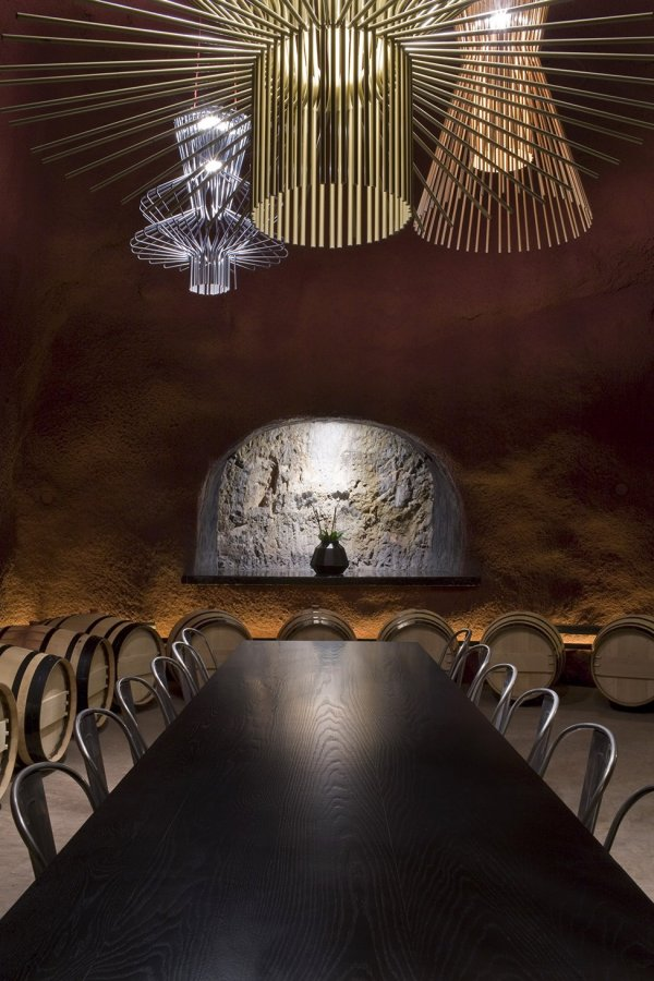 Удивительные интерьеры винодельни Merus