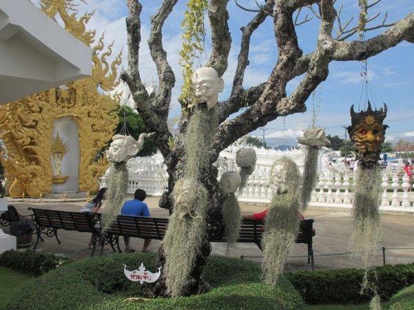 Ват Ронг Кхун: Буддийский храм, созданный по научно-фантастическим фильмам
