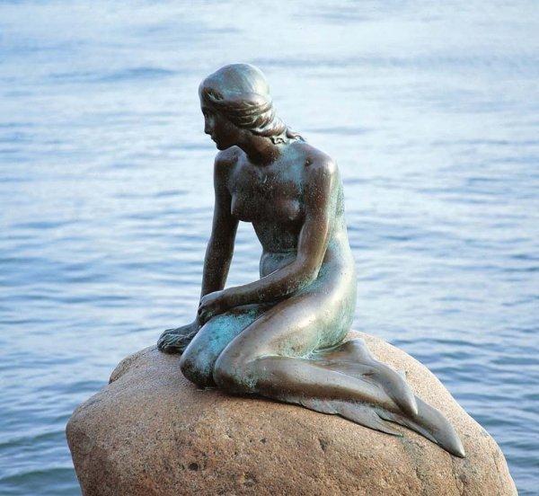 10 Самых популярных в мире статуй