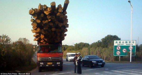 Перегруженные транспортные средства в Китае