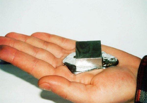 Галлий – металл, тающий в руках (7 фото)