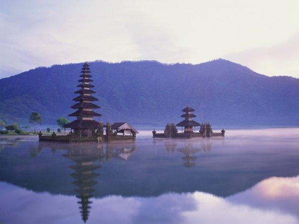 Храм Pura Ulun Danu Bratan на Бали (9 фото)