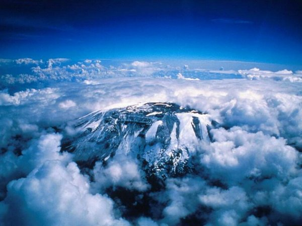 Величие и красота высочайшей в Африке горы Килиманджаро (15 фото)