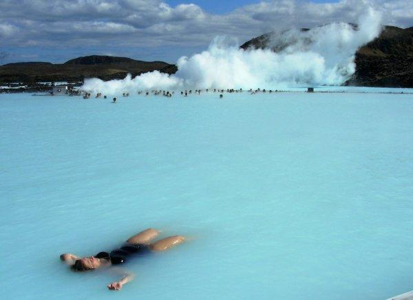 Восхитительная красота уникального геотермального курорта Голубая лагуна (27 фото)