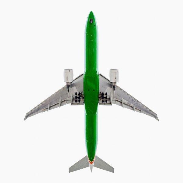 Нижняя часть фюзеляжа самолётов в фотографиях Джефри Милстайна