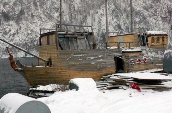 Русский Джек Воробей строит свой пиратский корабль «Чёрная жемчужина»