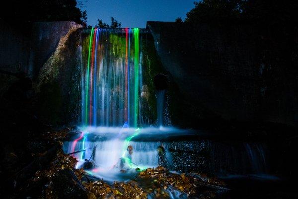 Неоновая яркость водопадов Северной Калифорнии (7 фото)