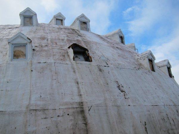 Заброшенный отель Иглу-сити (16 фото)