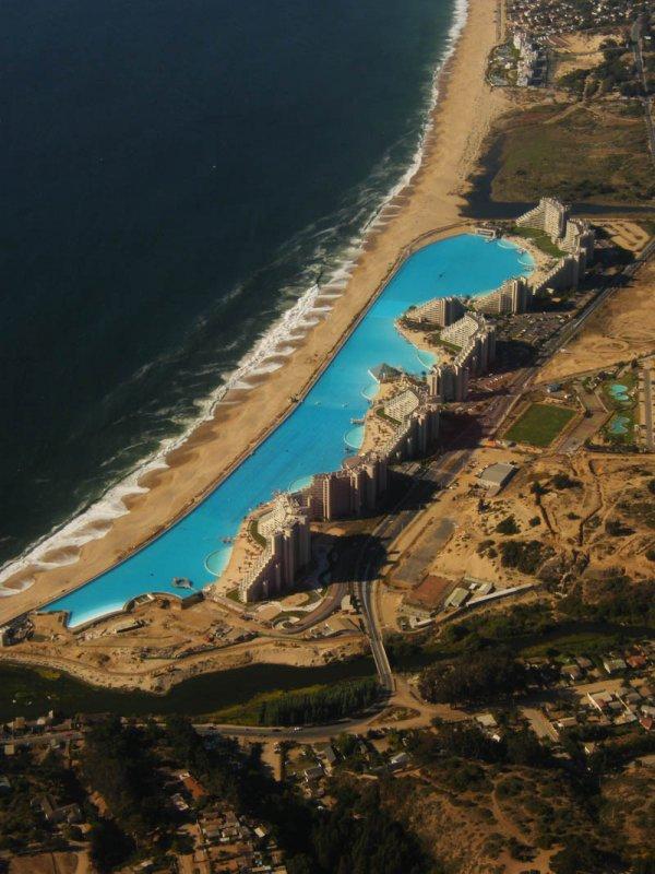 Бассейн курорта Сан Альфонсо дель Мар – самый большой в мире (11 фото)