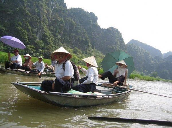 Карстовые горы и рисовые поля в Там Коке