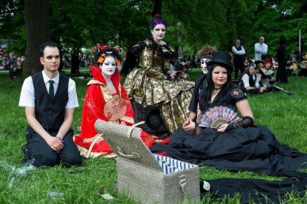 Участники фестиваля Wave-Gotik Treffen 2013, прошедшего в Лейпциге (23 фото)