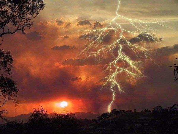 Уникальное природное явление молнии Кататумбо (11 фото)