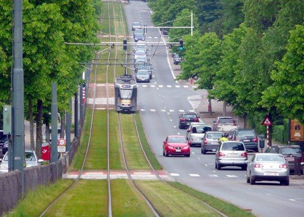 Трамвайные пути Европы, покрытые травой
