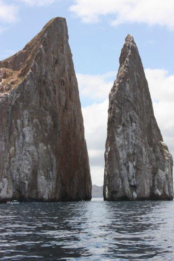 10 Самых красивых в мире морских скал (27 фото)