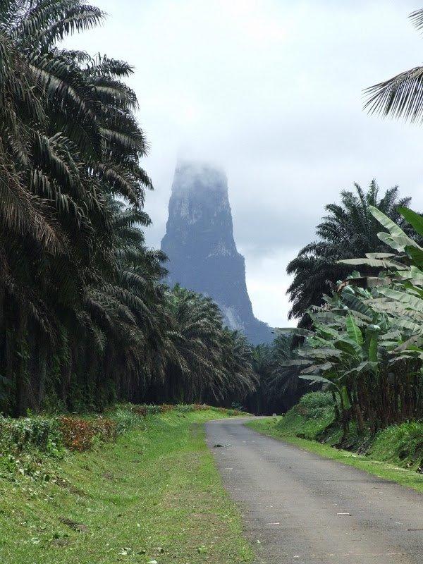 Пик Большого Пса: Возвышающаяся вулканическая пробка