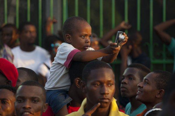На Гаити состоялся Карнавал цветов (21 фото)