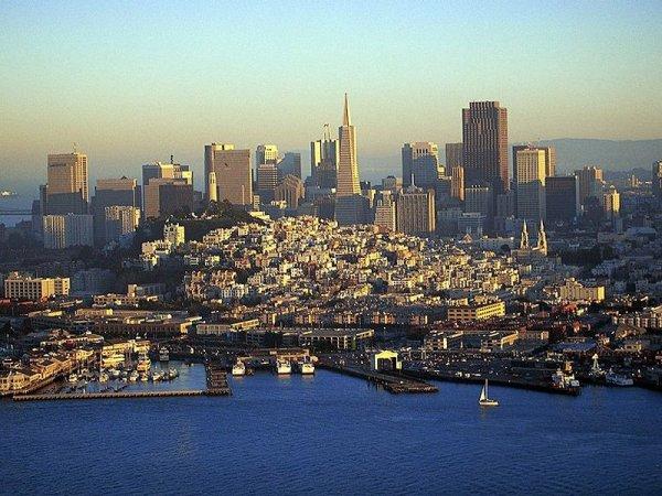 Аэрофотоснимки городов мира (13 фото)