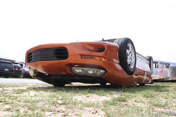 Удивительный автомобиль «вверх ногами»