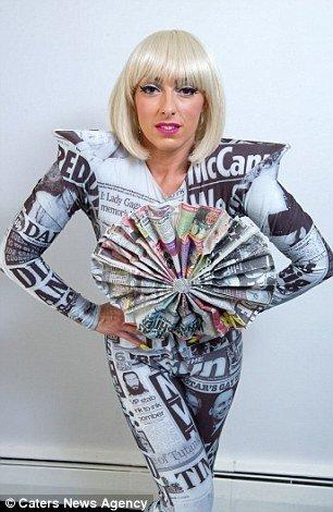 Британская поклонница Леди Гаги стала двойником певицы (10 фото)